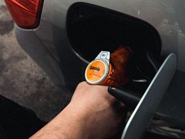 refilling fuel tank