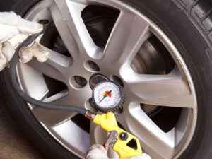 tire pressure gauge - how to use it
